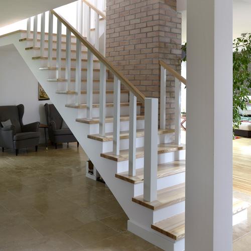 Producent schodów drewnianych na beton Łomza