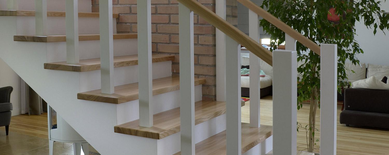 Producent schodow drewnianych na beton Łomza